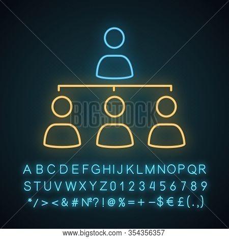Staff Management Neon Light Icon. Teamwork. Professional Hierarchy. Organisation. Leadership. Delega