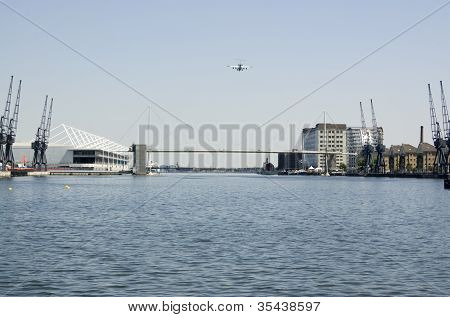 Plane approaching London City