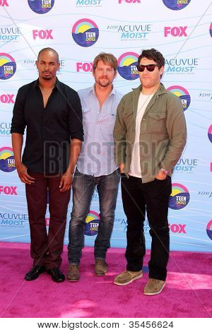 LOS ANGELES - JUL 22:  Damon Wayans Jr, Zachary Knighton, Adam Pally arriving at the 2012 Teen Choice Awards at Gibson Ampitheatre on July 22, 2012 in Los Angeles, CA