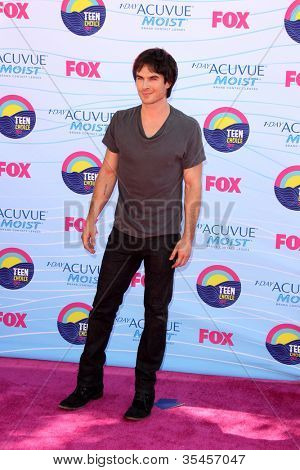LOS ANGELES - JUL 22:  Ian Somerhalder arriving at the 2012 Teen Choice Awards at Gibson Ampitheatre on July 22, 2012 in Los Angeles, CA