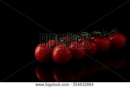 Ripe Tomatoes On Dark Wooden Background Cherries, Tomatoes, Brunch, Almeria, Alimentation, Alimentar