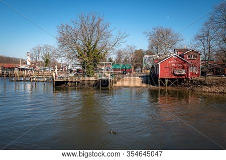 Burlington, New Jersey - March 4: A Scenic View Of A Marina On The Delaware River On March 4 2020  I