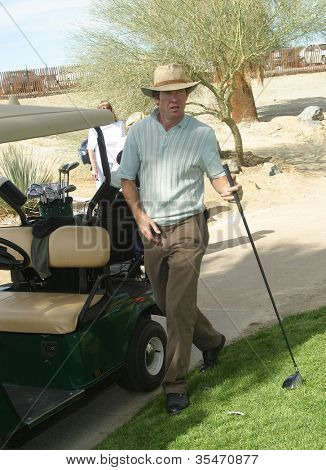 PALM SPRINGS - FEB 7: Dennis Quaid at the 15th Frank Sinatra Celebrity Invitational Golf Tournament at Desert Willow Golf Course on February 7, 2003 in Palm Springs, California