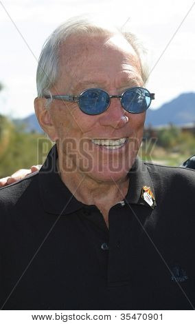 PALM SPRINGS - FEB 7: Andy Williams at the 15th Frank Sinatra Celebrity Invitational Golf Tournament at Desert Willow Golf Course on February 7, 2003 in Palm Springs, California