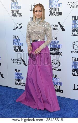LOS ANGELES - JAN 06:  Jennifer Lopez arrives for the Film Independent Spirit Awards 2020 on February 08, 2020 in Santa Monica, CA