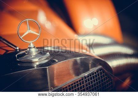 Bucharest, Romania - October 23, 2019: Illustrative Editorial Close Up Shot Of The Mercedes Benz Log