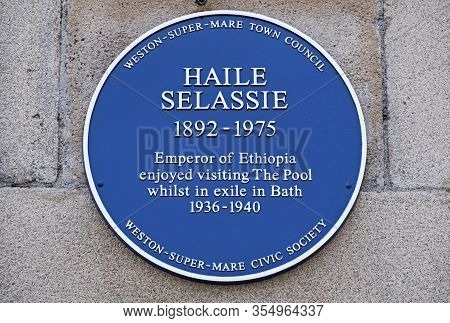 Weston-super-mare, Uk - September 25, 2019: A Blue Plaque Outside The Former Lido Commemorating The