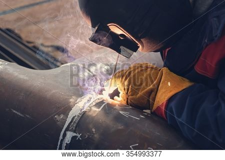 Applying A Facing Weld Using Manual Arc Welding