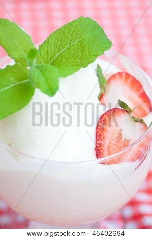 Ice Cream,strawberry With Mint In A Glass Bowl On Plaid Fabric