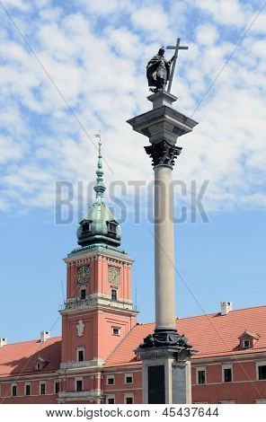 View of Sigmund's Column and Royal Castle in Warsaw, Poland.