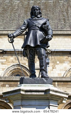 Oliver Cromwell Statue In London