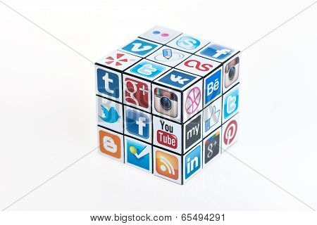 Social Media Rubick's Cube