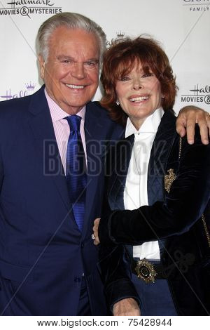 LOS ANGELES - NOV 4:  Robert Wagner, Jill St. John at the Hallmark Channel's