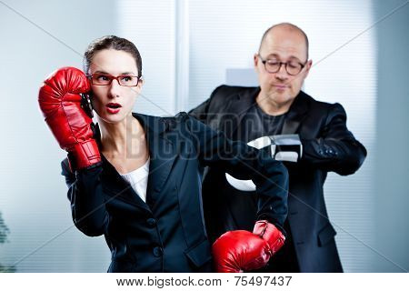 Boxe Match Time Out By A Mobile Phone Call