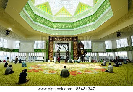 Cyberjaya Mosque is the first Green Platinum Certificate Mosque built in Malaysia. It is in Cyberjaya, Sepang, Malaysia with capacity 8500 people in one time. poster