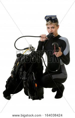 diver cheking pressure by manometer before dive