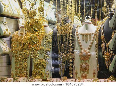 with jewelry eastern jewelry store , gold jewelry,