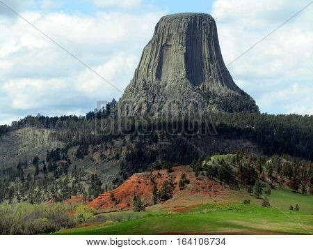 Devils Tower National Monument seen from a distance
