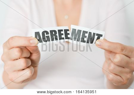 Cancel an agreement or dismiss a contract concept