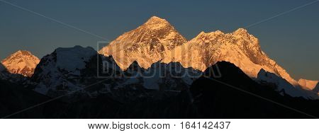 Sunset view from Gokyo Ri. Mount Everest.