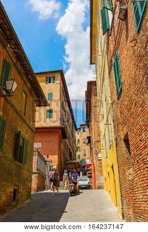 Picturesque Alley In Siena, Tuscany, Italy