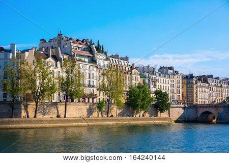View To The Ile Saint Louis In Paris