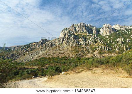 The road to the mountain South Demerdzhi. Crimea.