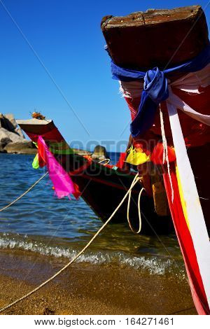Prow   The  Kho Tao Bay Isle    Rocks   Boat   Thailand   South China Sea