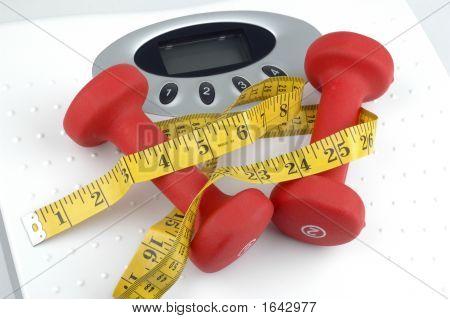 Gewichte und Maßstab
