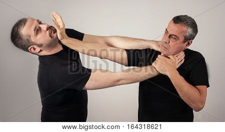 Street Fighting Self Defense Technique Against Holds And Grabs