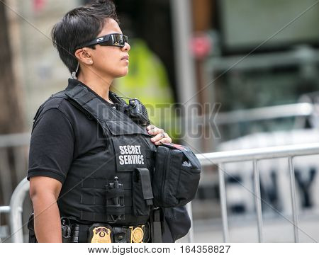 New York, September 20, 2016: A female Secret Service agent in the streets of Manhattan near 2nd Avenue during the UN General Assembly.