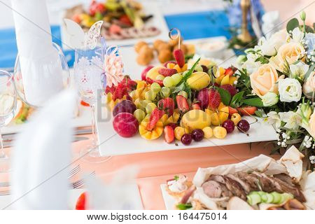 Delicious fresh fruit platter on table catering
