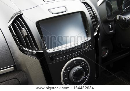 Console with screens in cars and air vehicles.