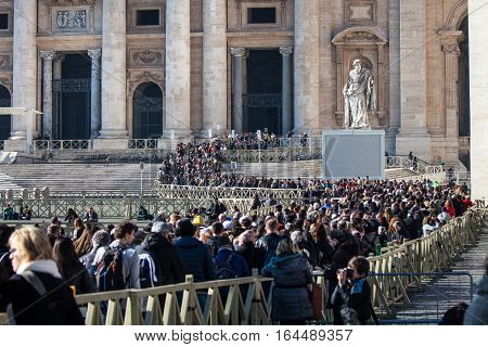 ROME, ITALY. January 24, 2016: ANGELUS. St Peter's Square Sunday. Pilgrims crowd lined entrance to St. Peter in Rome, Italy.