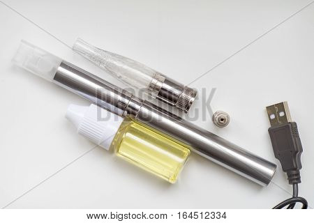 Electronic cigarette kit liquid and accessories for vaping