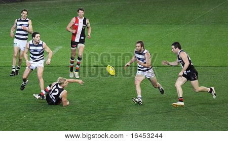 MELBOURNE - SEPTEMBER 3: Action from the St Kilda vs Geelong qualifying final at the MCG  - September 3, 2010 in Melbourne, Australia.