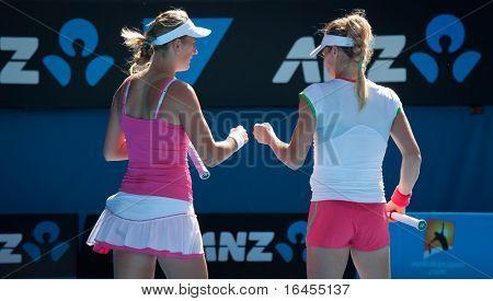 MELBOURNE, Australie - 28 janvier : Maria Kirilenko (R) & Victoria Azarenka en fi double féminin