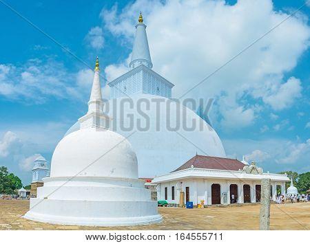 The Stupas In Ruwanwelisaya Complex
