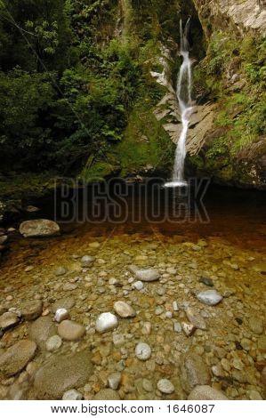 Dorothy Falls2