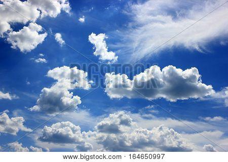 cloud wind blue horizon day sun summer background blue horizon hot beauty