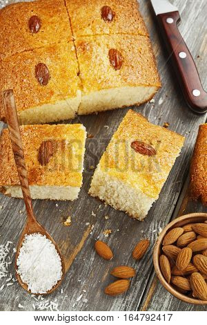 Semolina Pie With Coconut