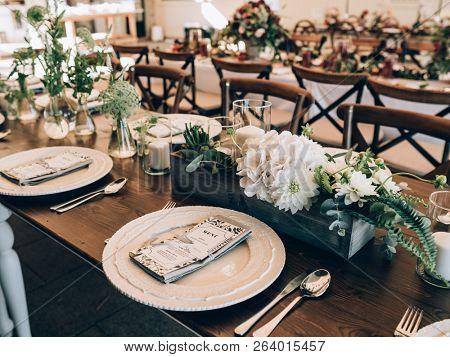 Vintage wedding decor. Beautiful event venue. Creative decoration