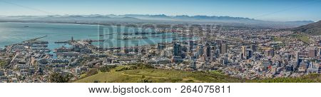 Cape Town, South Africa, August 9, 2018: A Panorama Of The Victoria And Alfred Waterfront, The Harbo