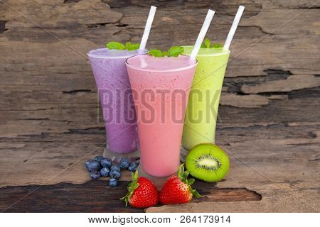 Strawberry Kiwi And Blueberry Smoothies Smoothies Juice Beverage Healthy The Taste Yummy In Glass Dr