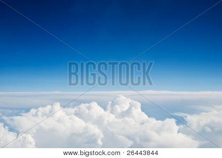 Fundo de céu e nuvens