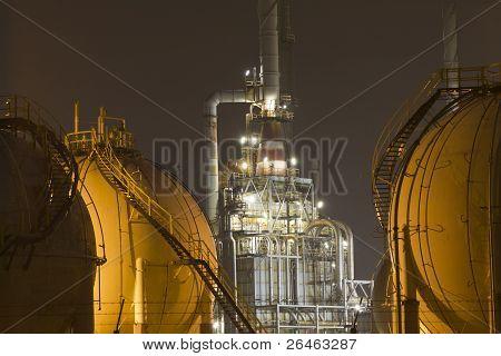 Gas-storage tanks