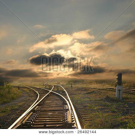 Abendlandschaft mit Eisenbahn Schienen