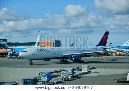 Amsterdam / Netherlands - October 7, 2018: Delta Air Lines Airbus A330-323 At Amsterdam Airport Schi