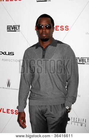 LOS ANGELES - AUG 22:  Sean Combs arrives at the