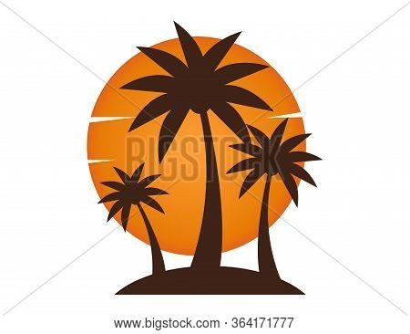 Beach Sunset With Palm Tree And Sun. Vacation Island Illustration In Summer Evening. Sunset Scene. V